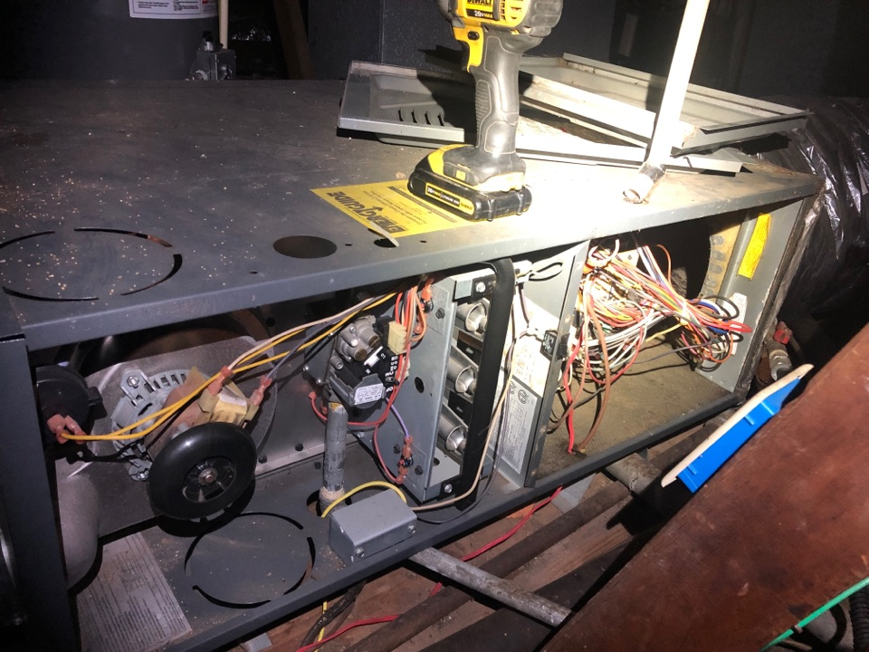 Houston, TX - Performed furnace repair, failed exhaust motor on Amana system