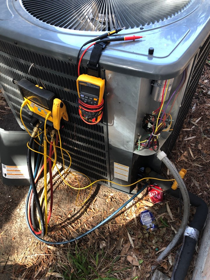 Houston, TX - Performed AC system cooling maintenance