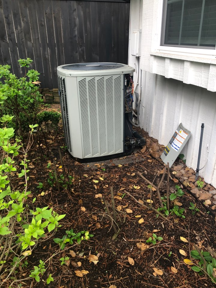 Houston, TX - Performed hvac maintenance for cooling on American Standard system