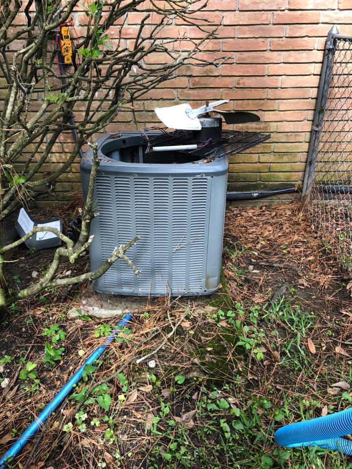 Houston, TX - Performed fan motor repair on Amana outdoor system