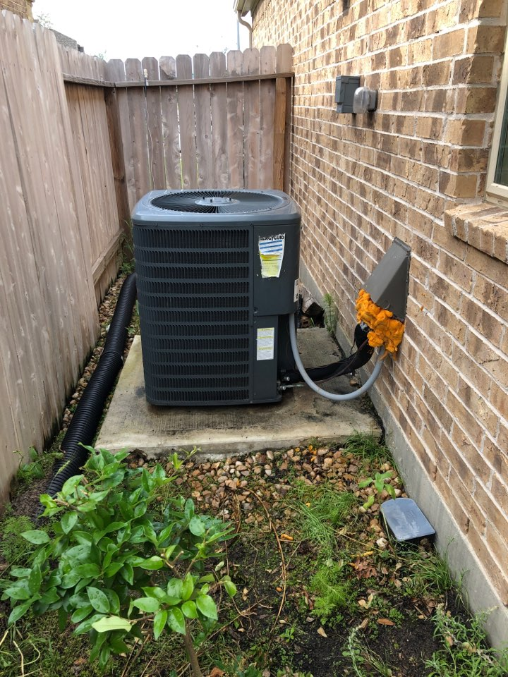 Cypress, TX - Performed hvac maintenance for cooling on Goodman system