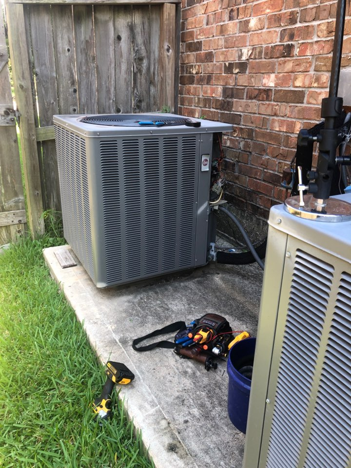 Missouri City, TX - Performed repairs to indoor system with new blower motor & outdoor starter