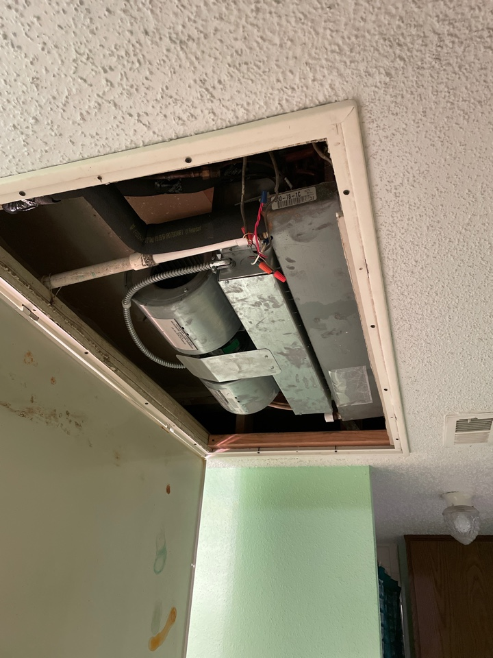 Houston, TX - Performed in-ceiling air conditioner maintenance for cooling including outdoor system