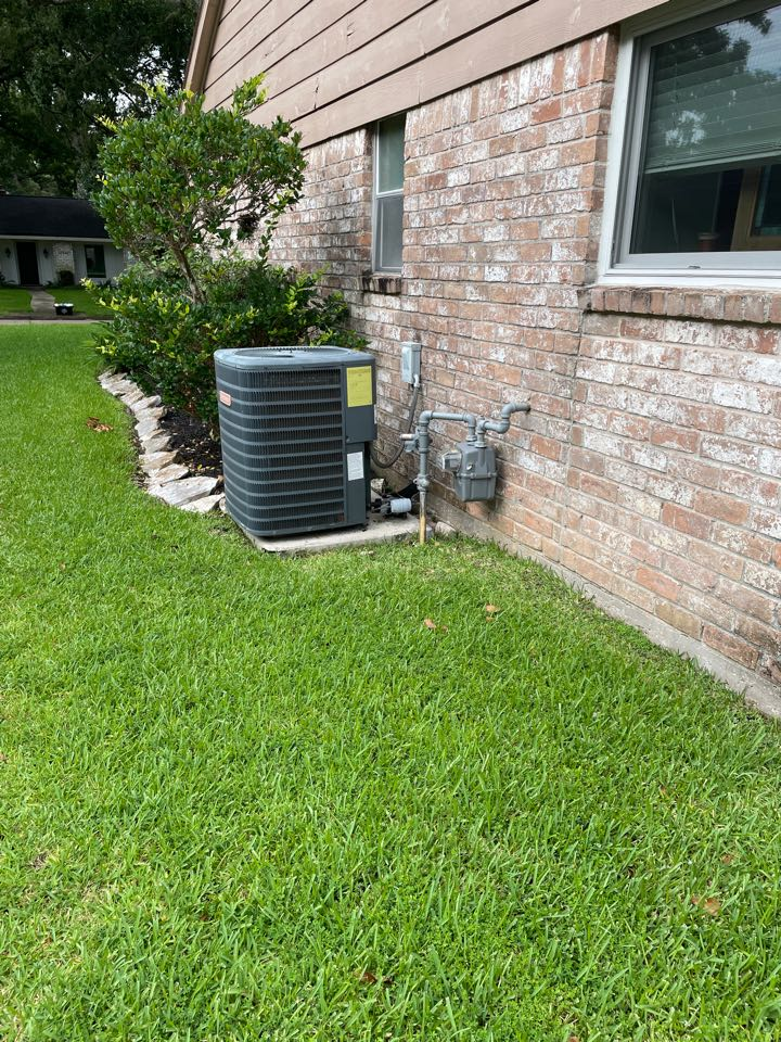 Houston, TX - Performed outdoor system repair on a Goodman system, home is now cooling for our client