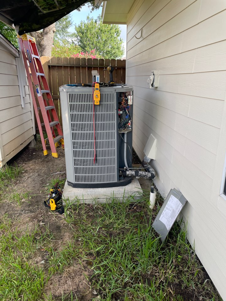 Katy, TX - Performed hvac repair on outdoor American Standard system. Getting our clients back to cooling on a Sunday