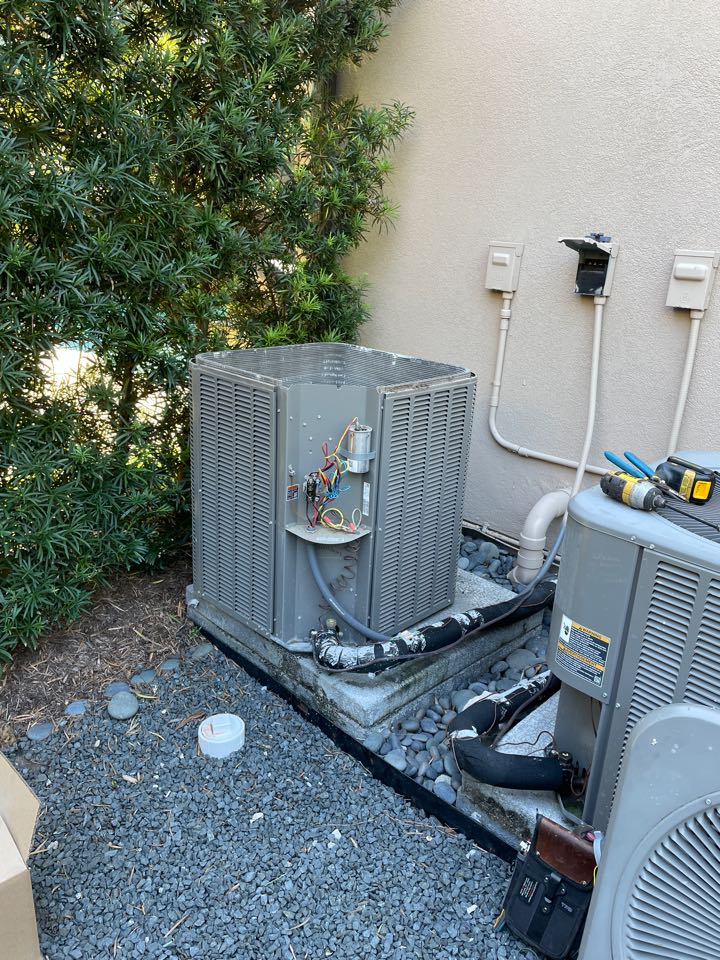 Houston, TX - Performed outdoor system fan motor replacement for Lennox system