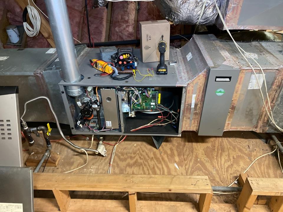 Houston, TX - Performed furnace control board warranty repair for Lennox system