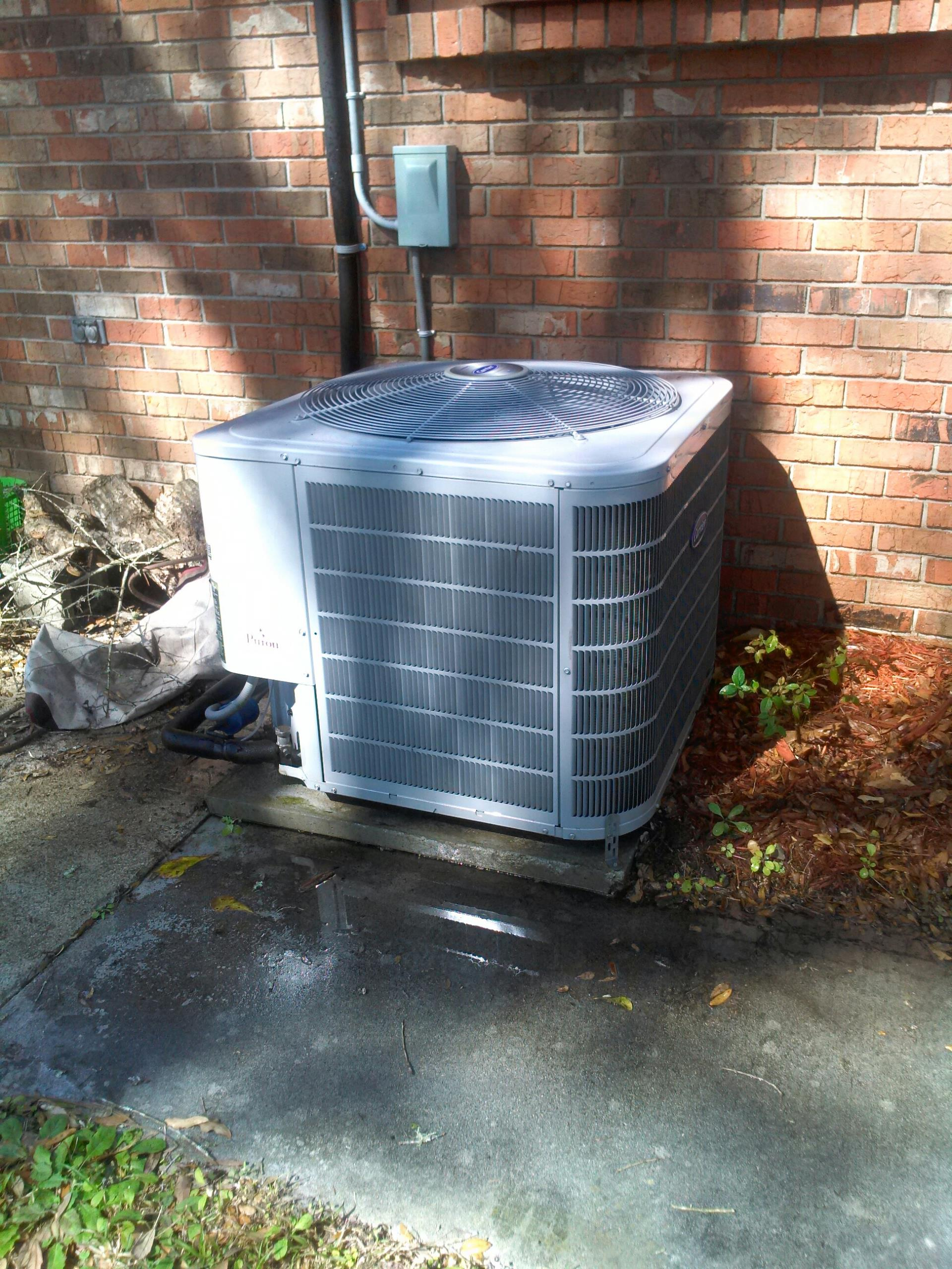 Saint Augustine, FL - Performed maintenance on Carrier heat pump system