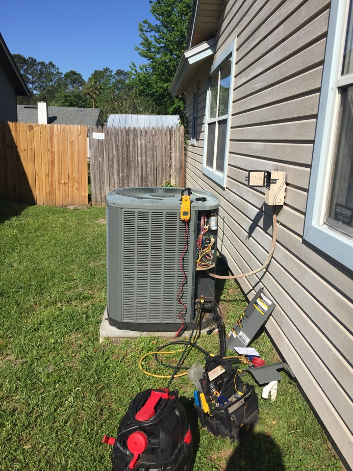 Orange Park, FL - Summer maintenance on trade heat pump