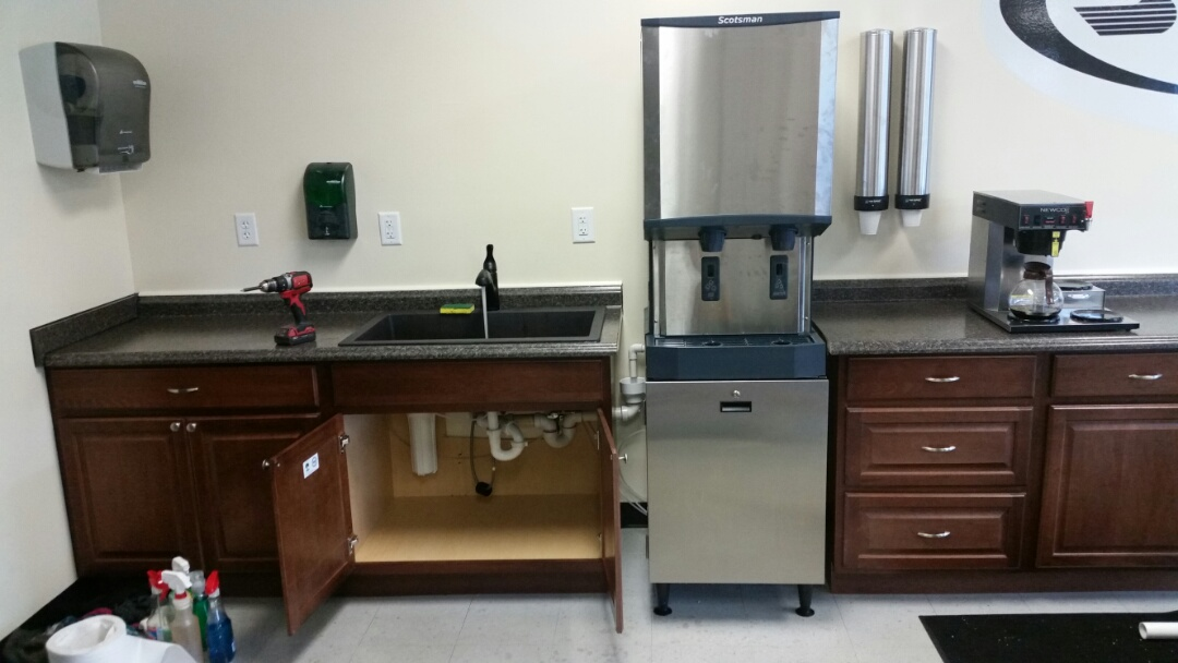 Huger, SC - Install comericial ice maker