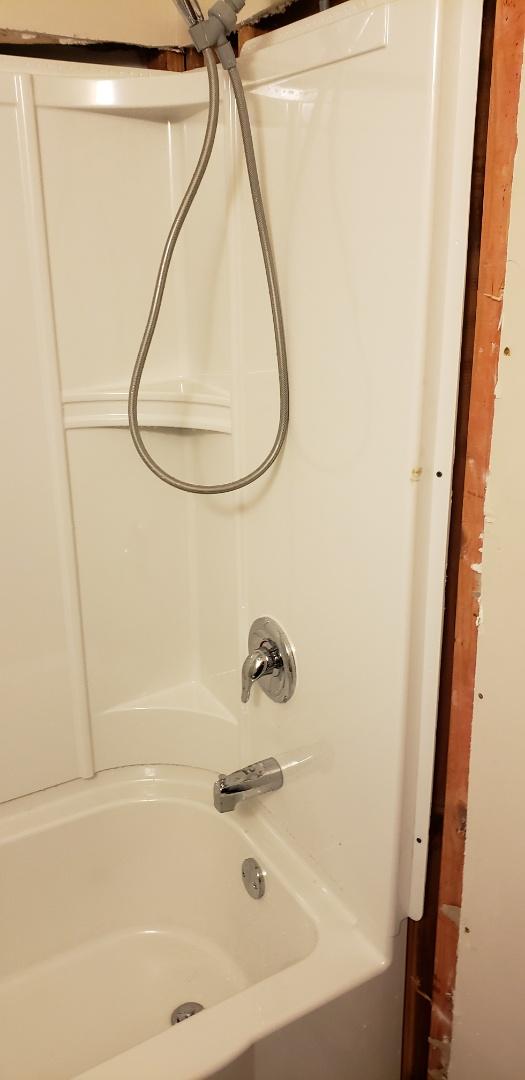 Summerville, SC - Installed new sterling tub/shower and moen valve