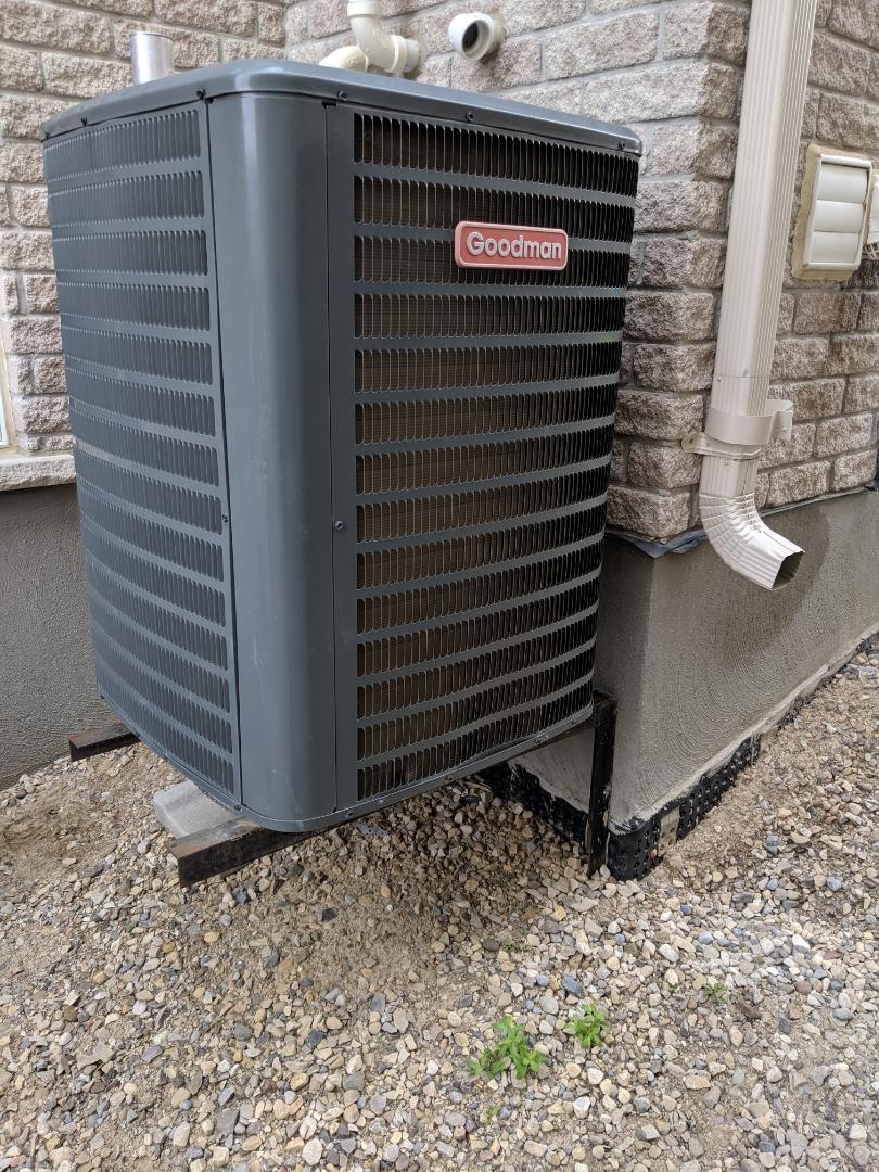 Guelph, ON - Service call to repair Goodman Air conditioner. Noisy air conditioner