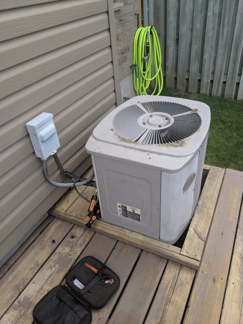 Guelph, ON - Service call to repair air conditioner