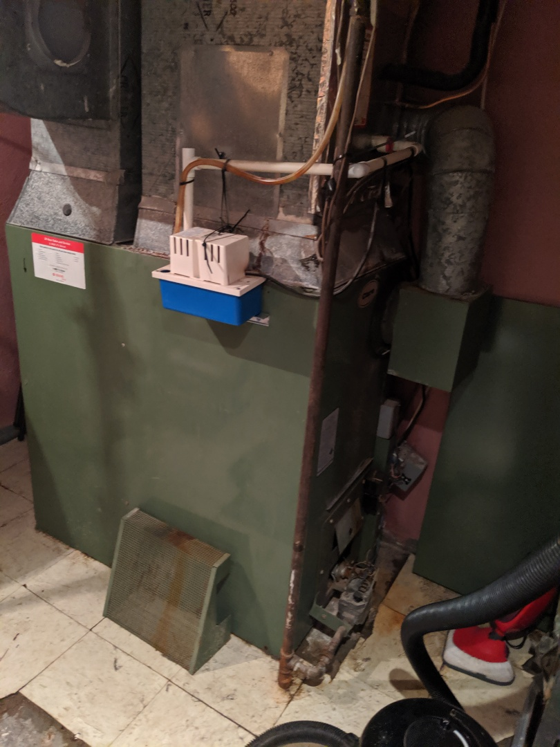 Service call for furnace repair or assess for replacement