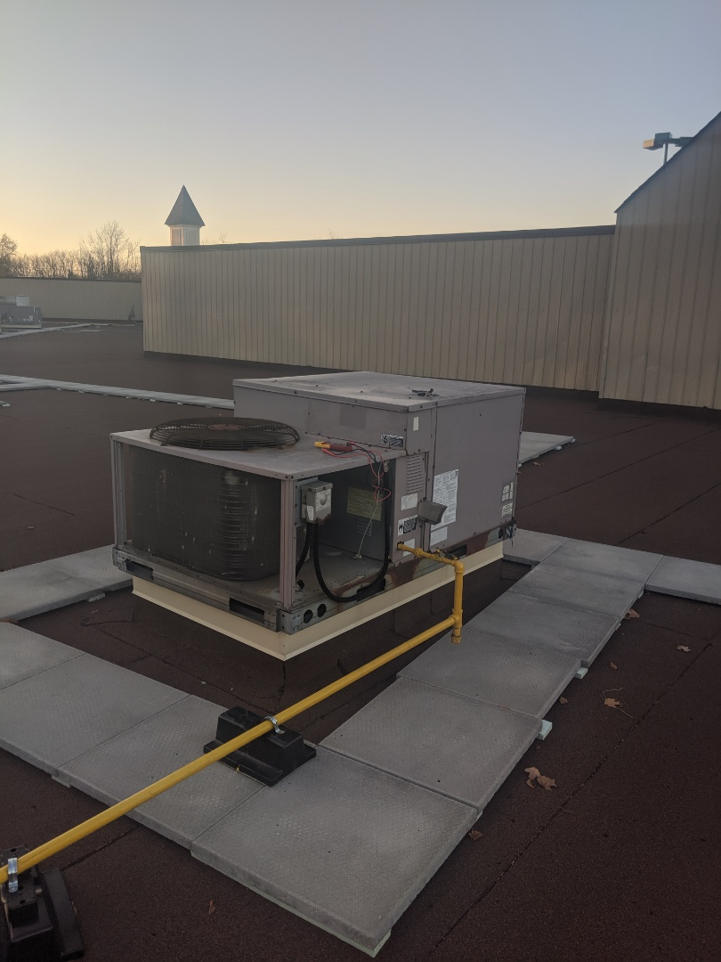 Guelph, ON - Service call to repair a Carrier rooftop unit (RTU)