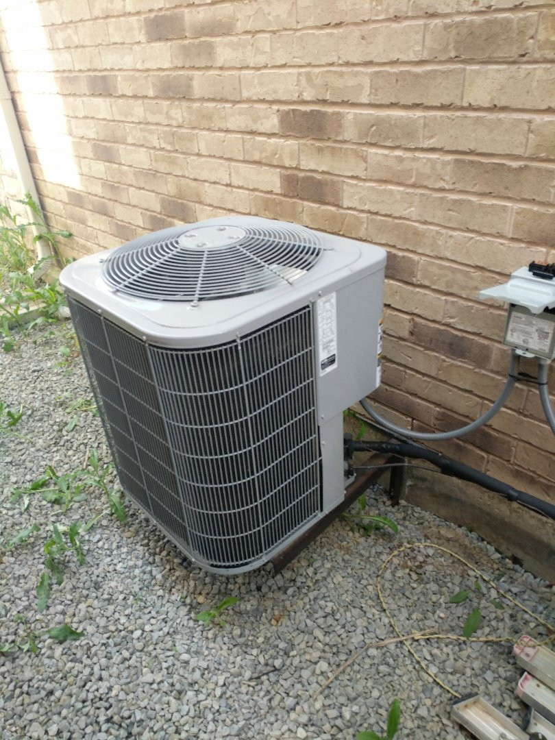 Milton, ON - Service Call for air conditioner repair.