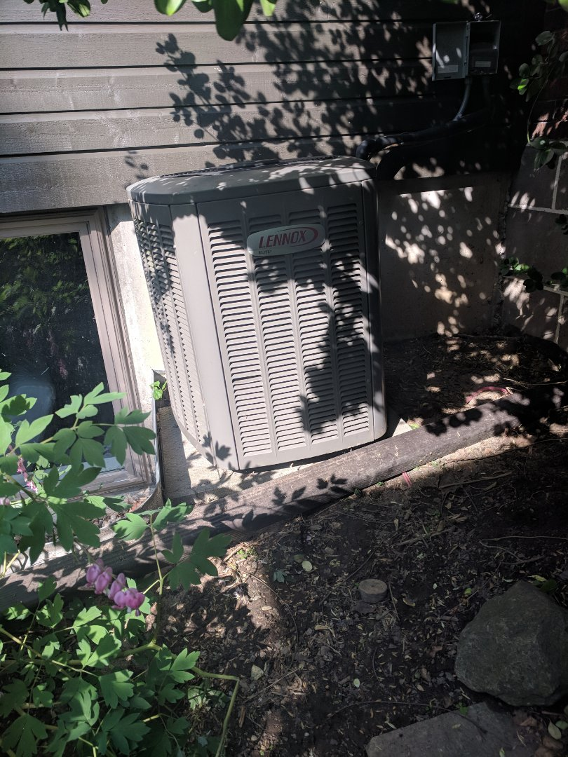 Guelph, ON - Service call to repair Lennox Air Conditioner