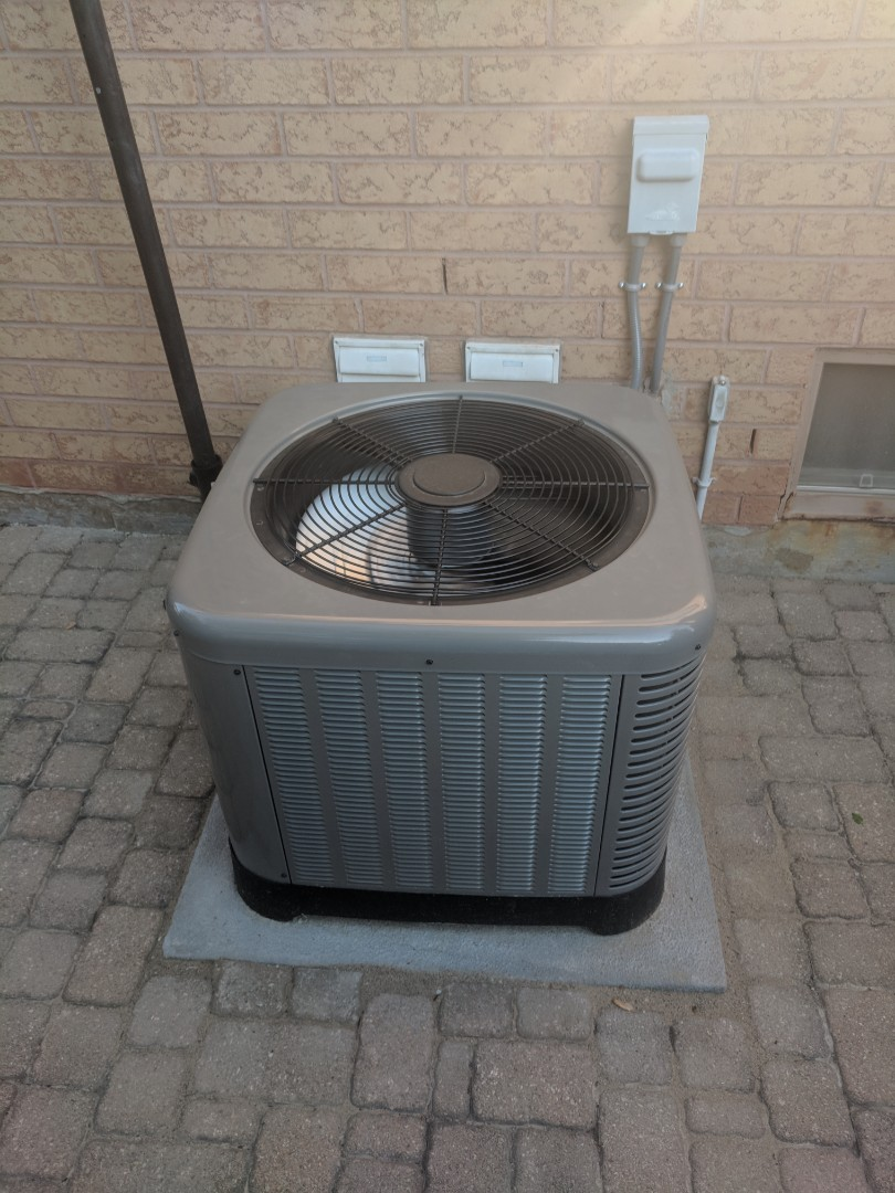 Georgetown, ON - Service Call to repair a Rheem air conditioner