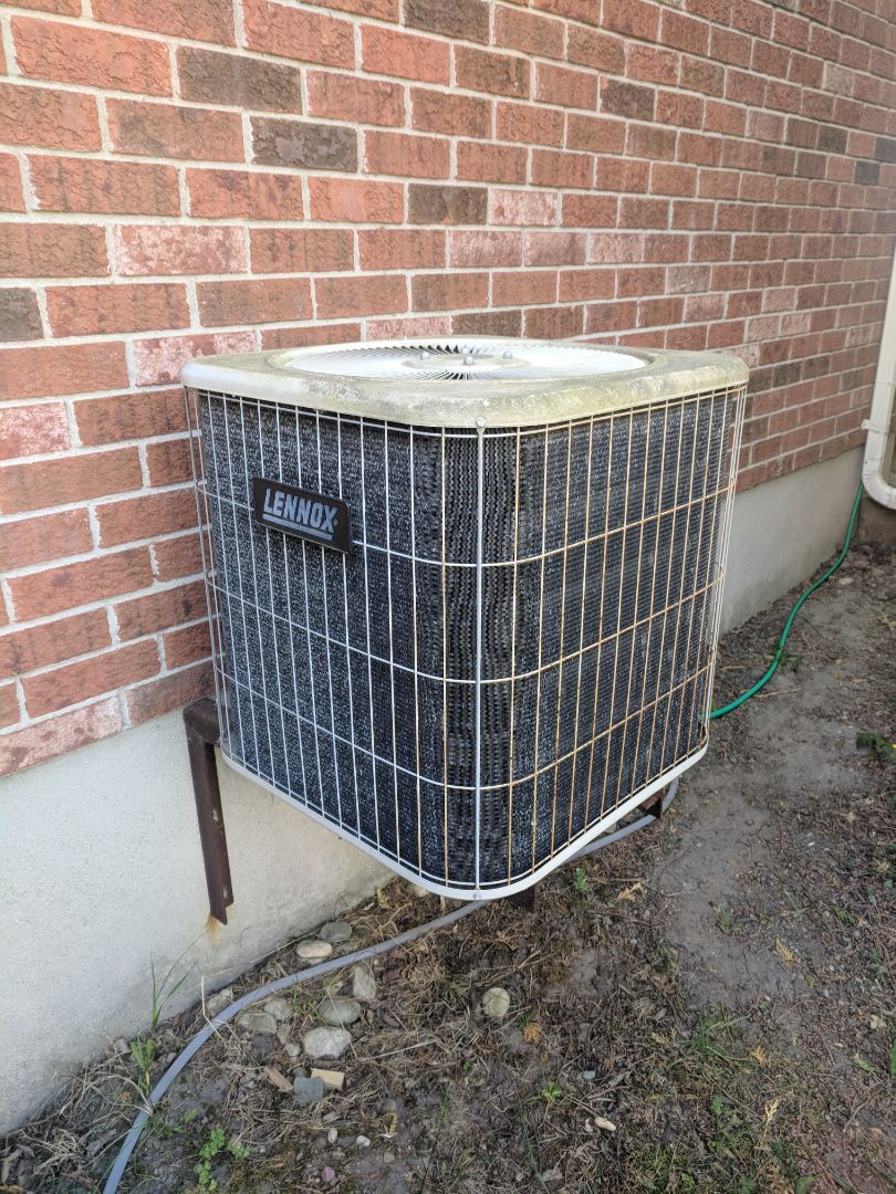 Erin, ON - Service call to repair a Lennox Air Conditioner