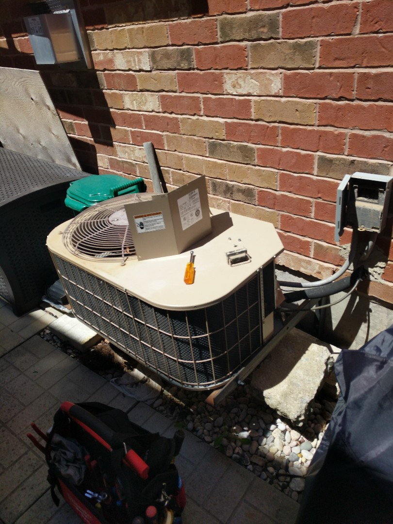 Milton, ON - Service call to repair a York air conditioner