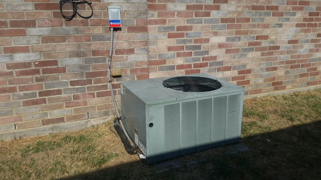 Dallas, TX - Service call, no cooling. Unit going out on low pressure. Repair leak and  add  freon. Offer recommendation  to extend  life of system