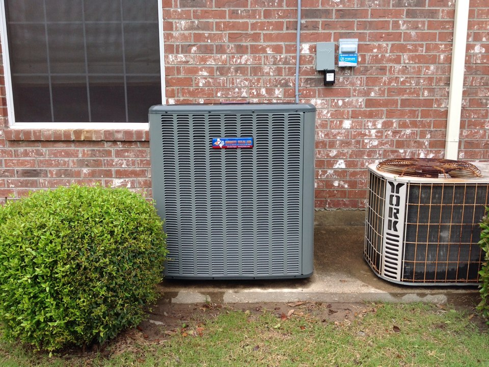 Heath, TX - Air conditioning service call, installing a new 4 ton Amana  Infinity Texas Air comfort system. This new 18 seer air conditioner will help decrease these electric bills this summer. Installing a new aprilaire filtration system to give this homeowner cleaner air to breath!