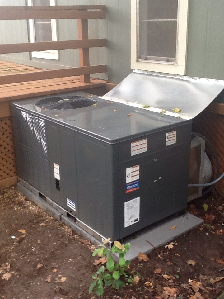 Trinidad, TX - Inspect and startup 3ton heat pump package unit program thermostat