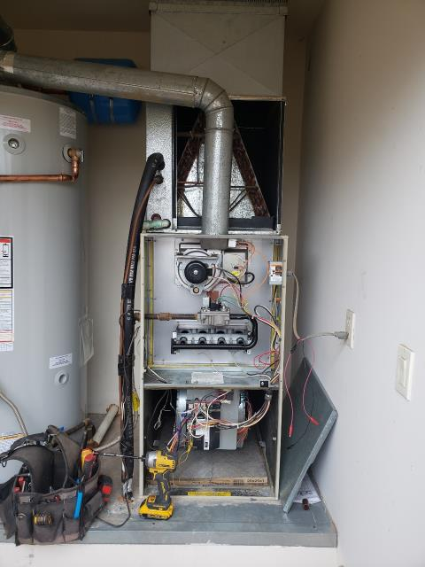 Scottsdale, AZ - Helping this family with their heating and cooling needs.  Here is a picture of a 4 Ton Gas Furnace