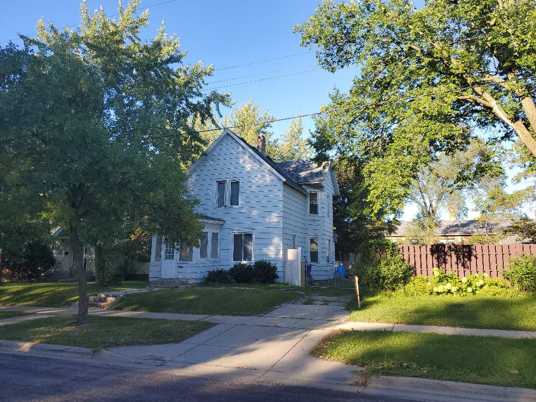 St. Cloud, MN - Checking this house for hail damage from recent storms