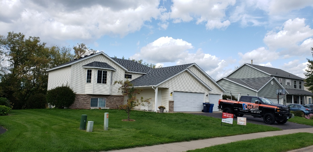 Sauk Rapids, MN - New roof just installed and looks great! Estate Grey OC Duration