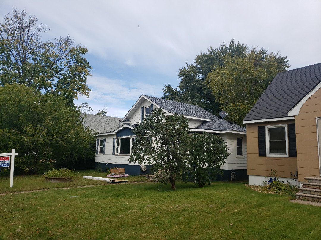 St. Cloud, MN - Beautiful new roof. I just love this color. Half day reroof only.