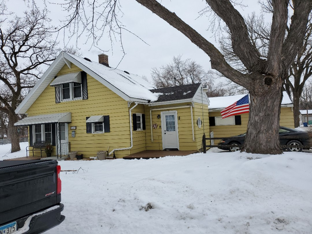 Sauk Rapids, MN - New gutters and remove awnings