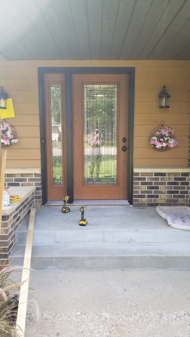 Sartell, MN - Beautiful brand new front door with sidelite.