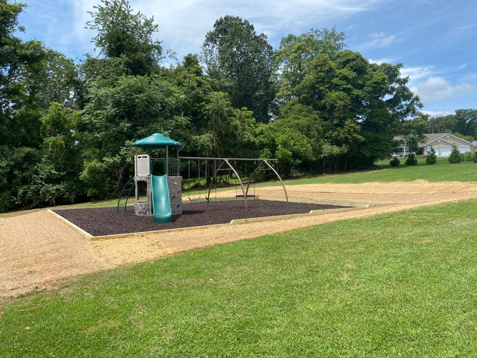 Frederick, MD - Level area, install play set