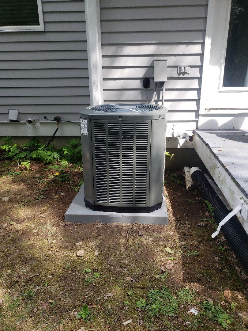 Clinton, CT - New Trane XR Air Conditioning unit installation.