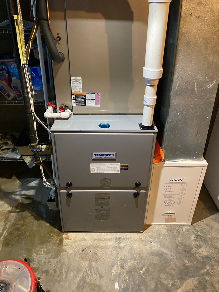 Madison, CT - New propane warm air furnace