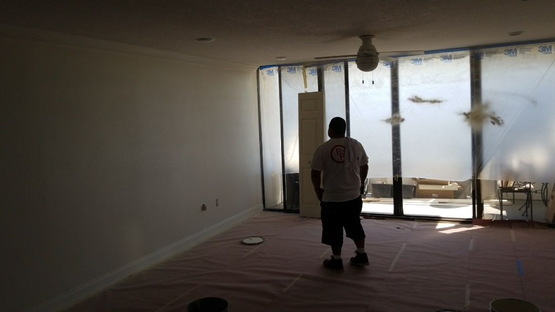 Clearwater, FL - Painting this freshly renovated condo
