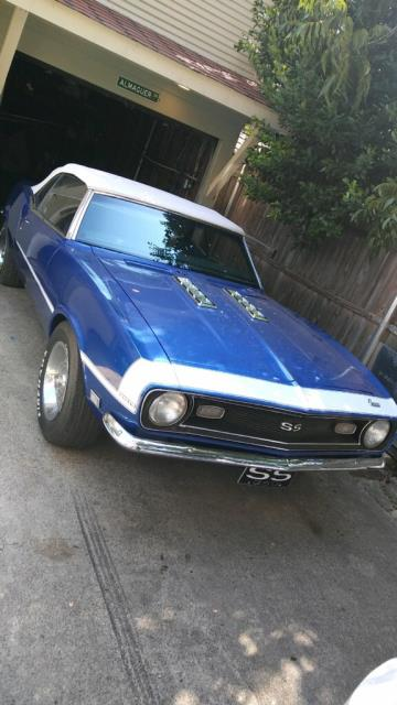 Fort Worth, TX - Replaced the windshield on our returning customers beautiful 1968 Convertible Camaro!!