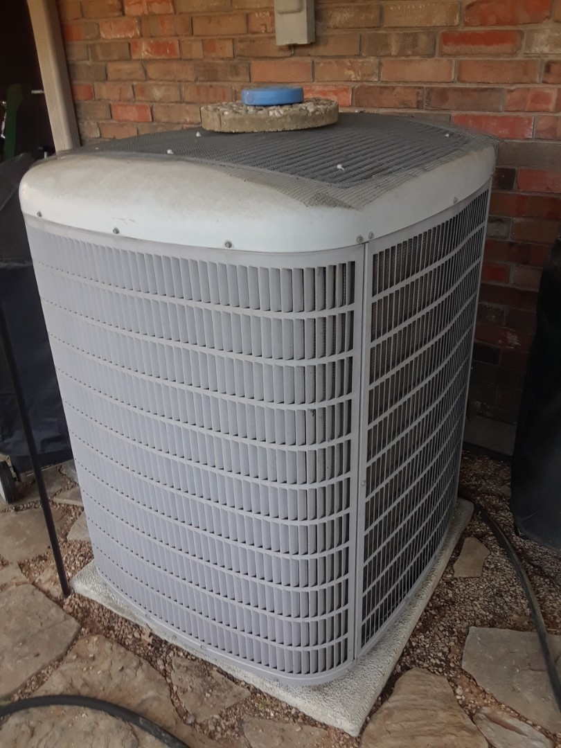 Grand Prairie, TX - No cool call, found unit low on refrigerant