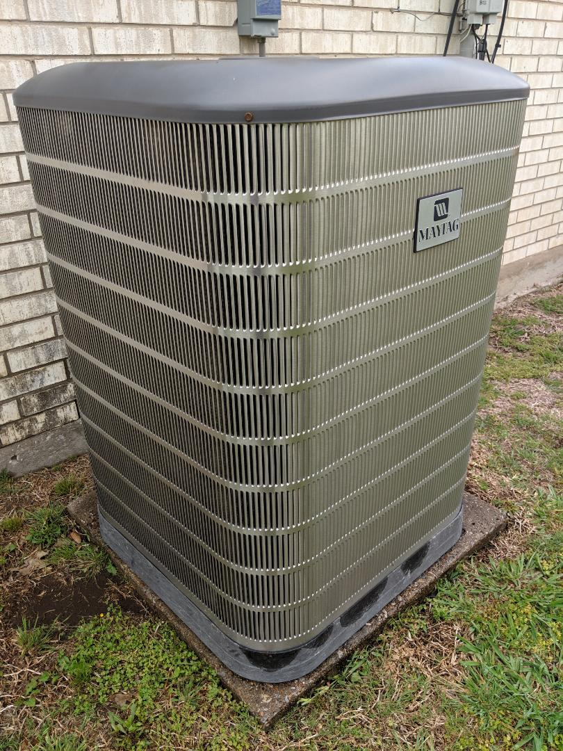 Dallas, TX - Air conditioning maintenance tuneup and spring inspection. Performed check up and repair on AC system.