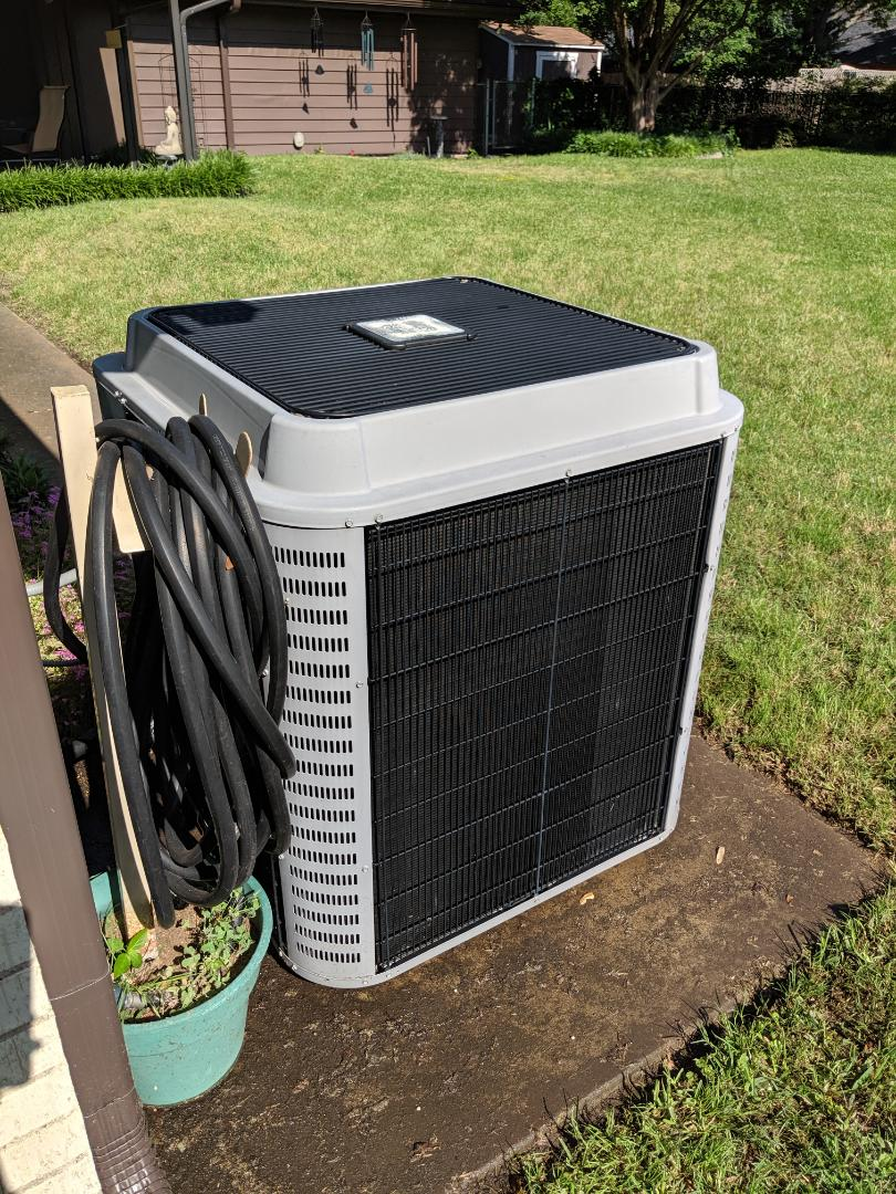Duncanville, TX - Air conditioning maintenance inspection. Performed spring tuneup and cooling service.