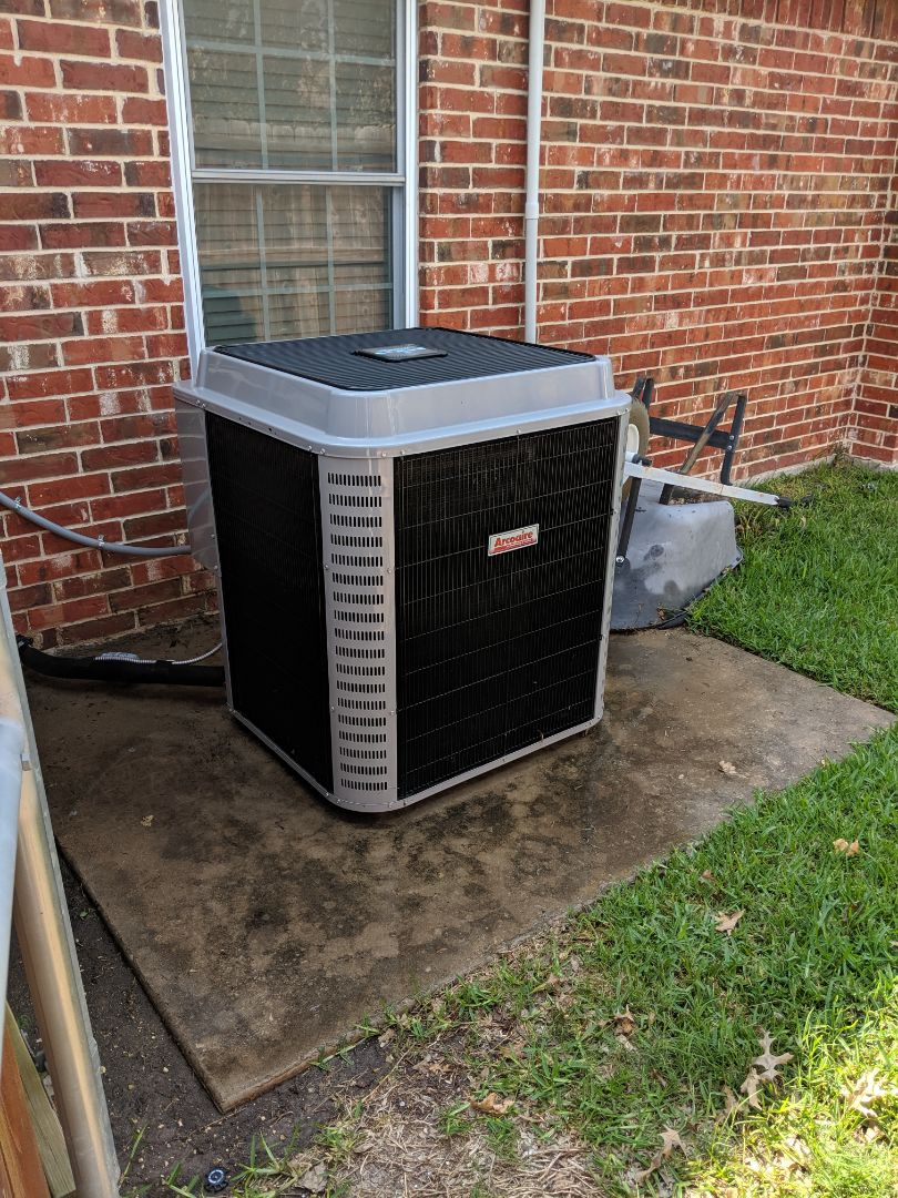 Midlothian, TX - Air conditioning diagnostic and maintenance tuneup.