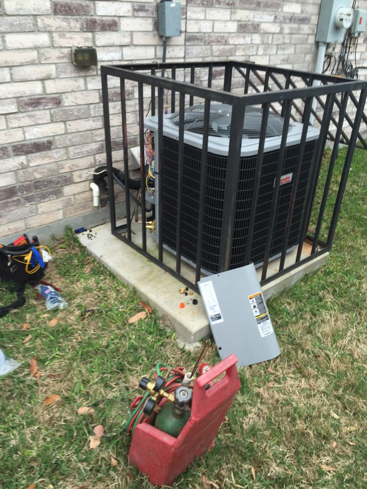 Lancaster, TX - AC service call repair in Lancaster, TX. Installing new outdoor high efficiency AC unit