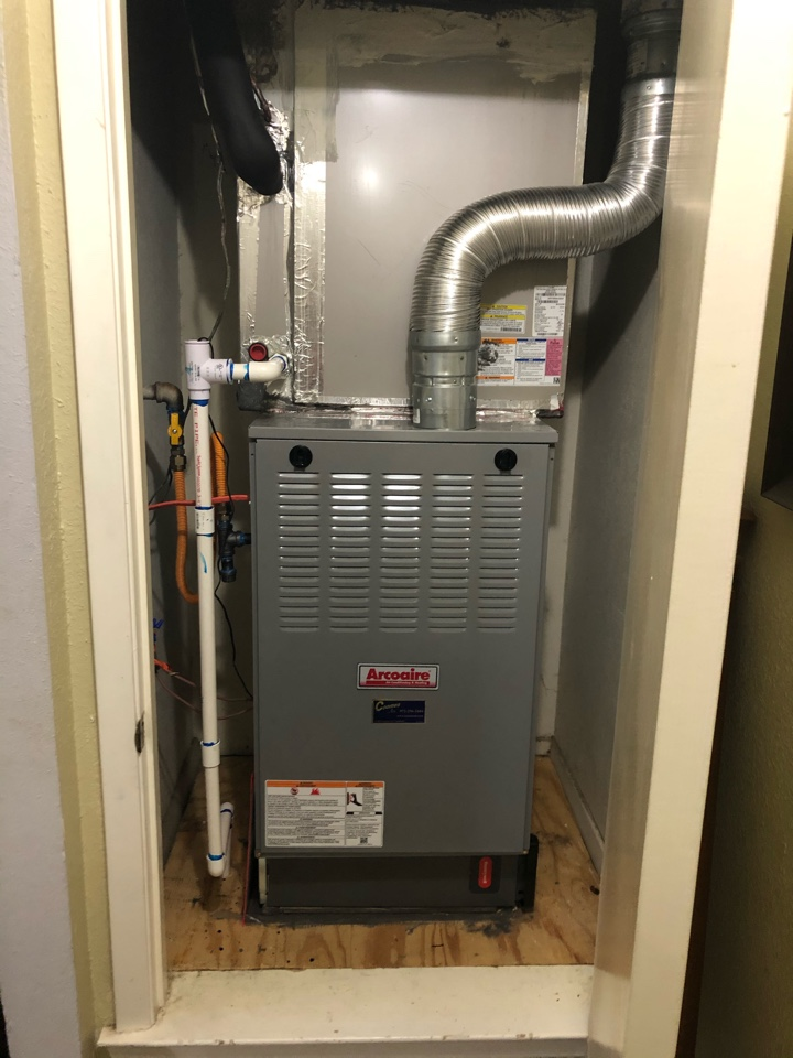Duncanville, TX - Gas furnace replacement. Install new furnace for air conditioning system.