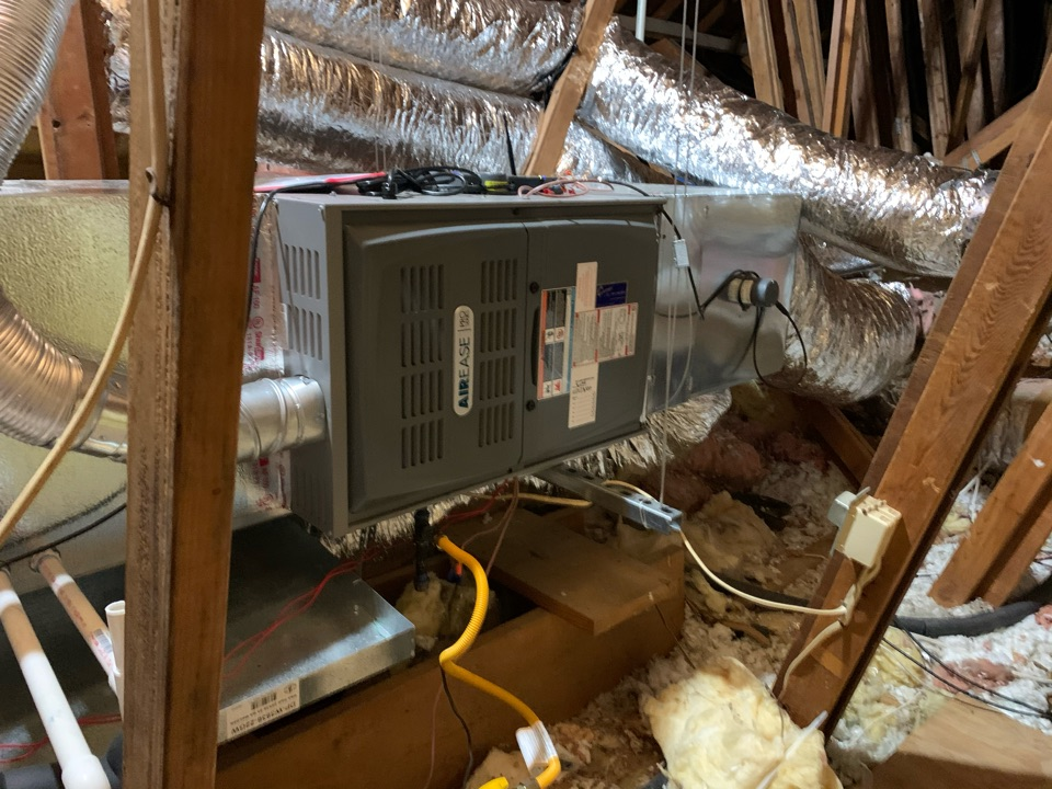 Midlothian, TX - Heater service call repair. Replace a gas furnace
