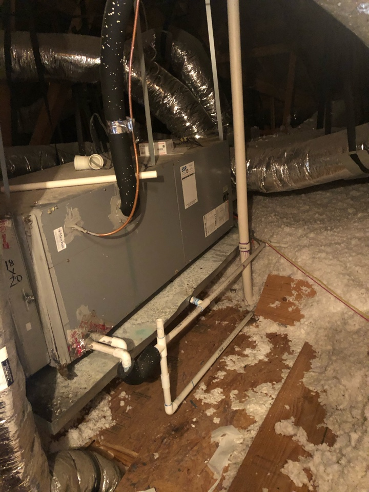 Midlothian, TX - Heating checkup and winter inspection.
