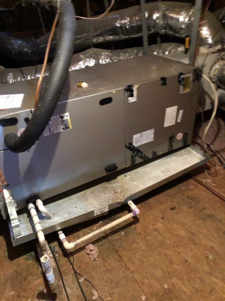 Midlothian, TX - Electric heat and heat pump tuneup. Winter efficiency inspection of heating system.