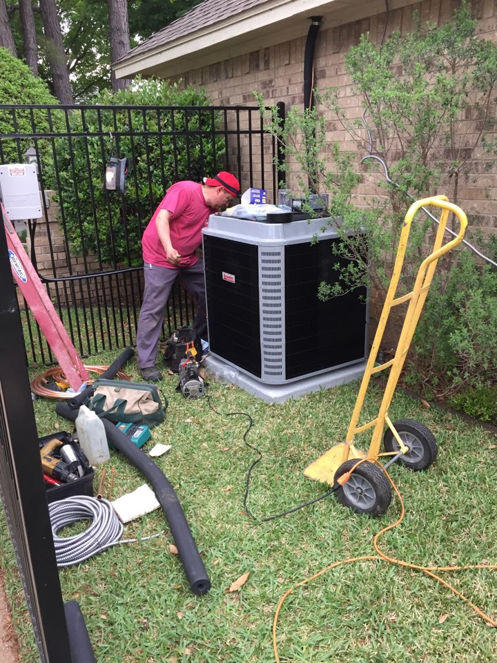 Mansfield, TX - AC service call repair in Mansfield, TX. Installing a new high efficiency 16 SEER heat pump system
