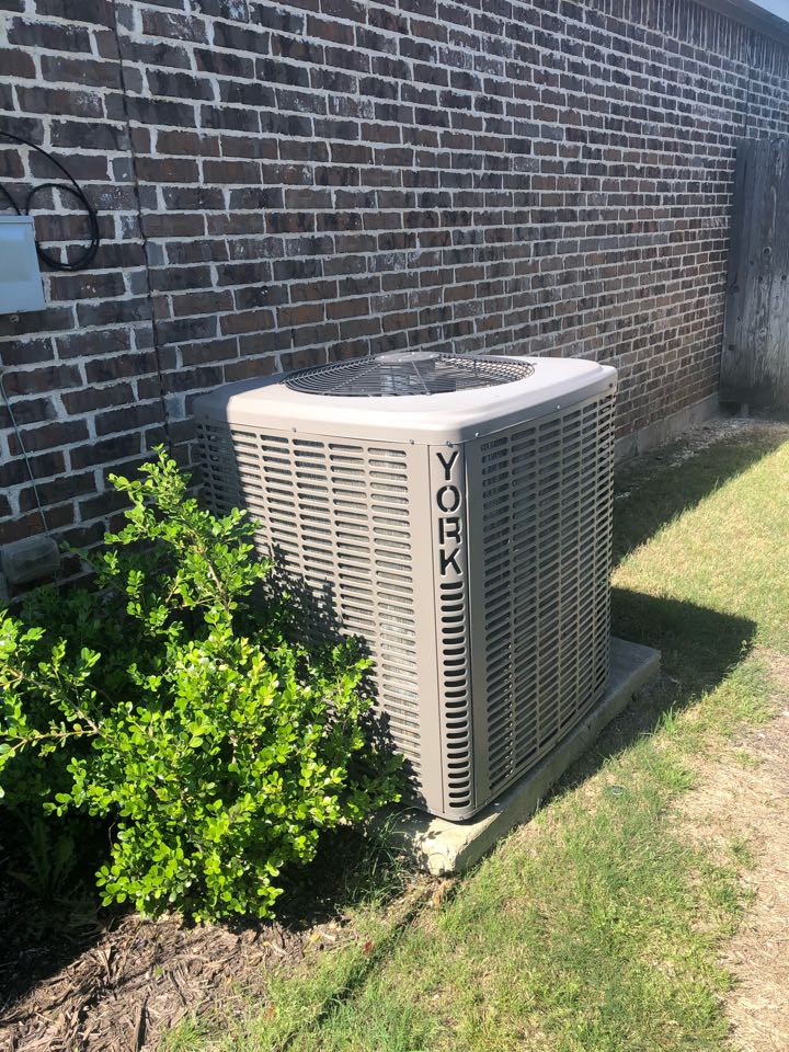 Midlothian, TX - Air conditioning maintenance tuneup and spring ac service.