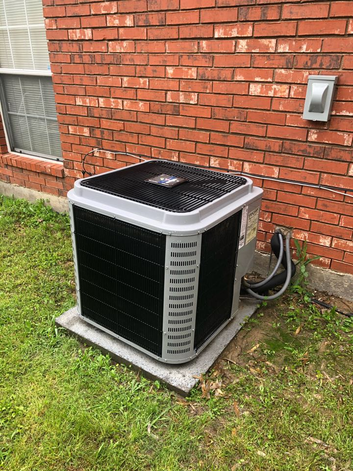 Dallas, TX - Air conditioning diagnostic service and repair.